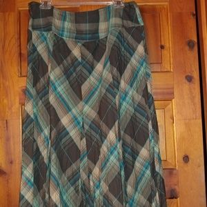 2  nice plaid skirt bundle Bandolino/ Liz Cousin